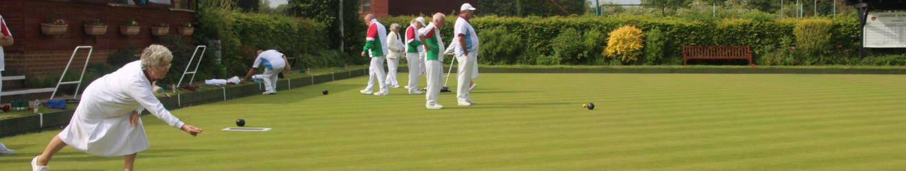 Uxbridge Bowls Club in action